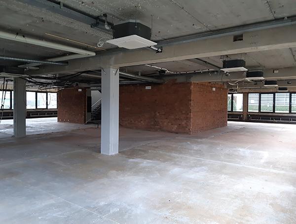 kantoorruimte strippen voor renovatie