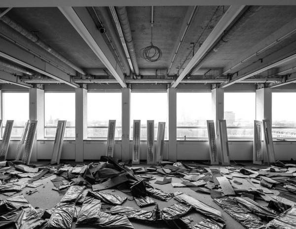 Strippen van een gebouw of kantoor